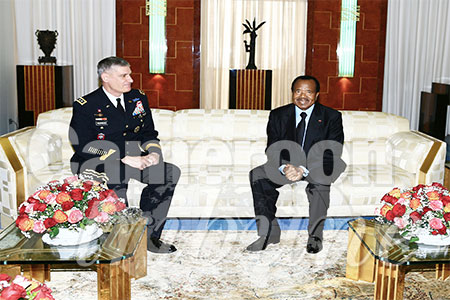paul-biya-recoit-general-david-rodriguez