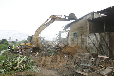 tracteur-engins-destruction-maisons